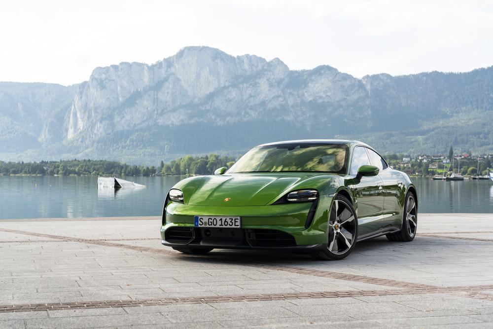Porsche lanserar sin första elektriska sportbil: Porsche Taycan